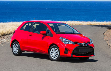 Toyota Yaris (3 usi)