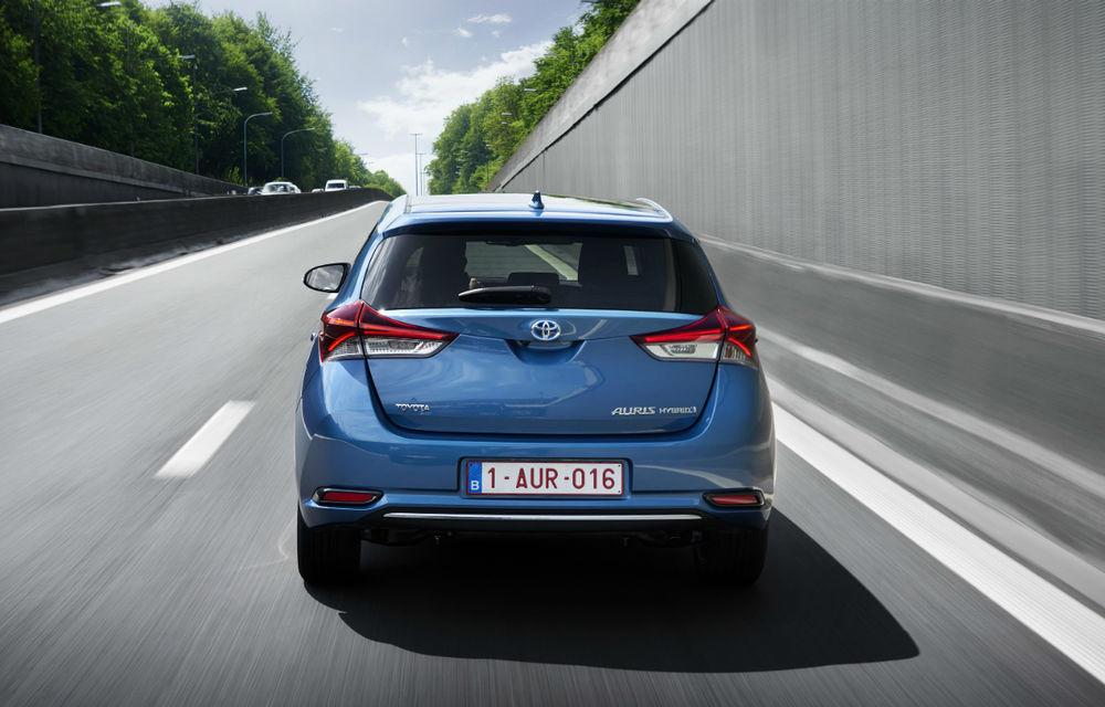 Noile Toyota Avensis şi Auris facelift au preţuri în România: de la 20.250, respectiv 16.400 de euro - Poza 2