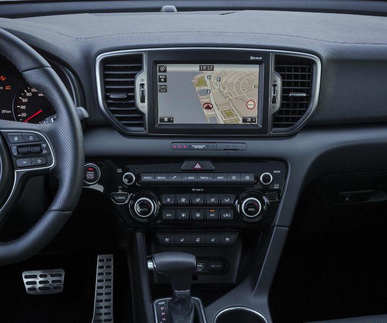 Atac prin învăluire: Kia Sportage pleacă de la 17.300 de euro în România și e unul dintre cele mai ieftine SUV-uri din segment - Poza 2