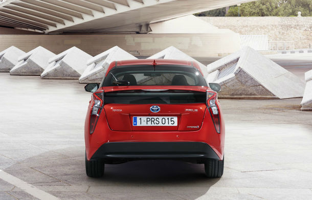 Toyota Prius a primit o nouă generație: primele imagini și informații oficiale - Poza 2