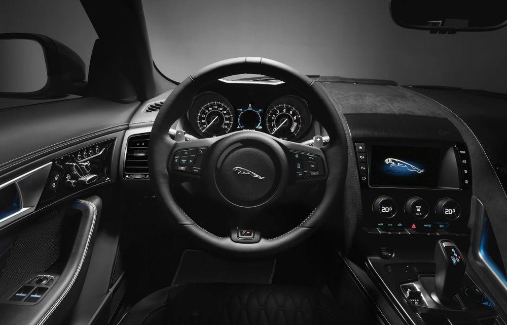 """Primele poze cu """"pisici"""" care îi vor sensibiliza și pe bărbați: Jaguar F-Type SVR Coupe și Cabrio au debutat oficial - Poza 2"""