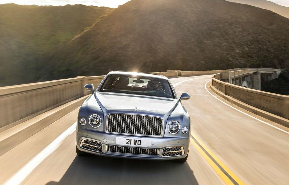Chiar și regii au nevoie de o coroană nouă: Bentley Mulsanne primește un facelift și o versiune mai lungă, care măsoară 5.8 metri - Poza 2