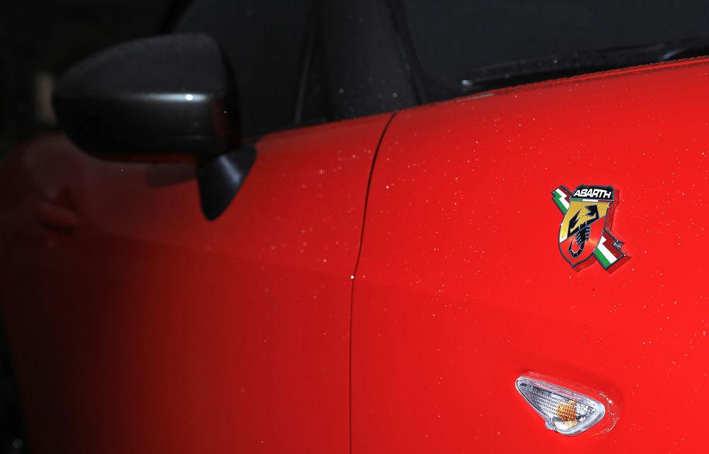O decapotabilă promisă pentru iarnă: Fiat 124 Spider ajunge în România abia în decembrie - Poza 2