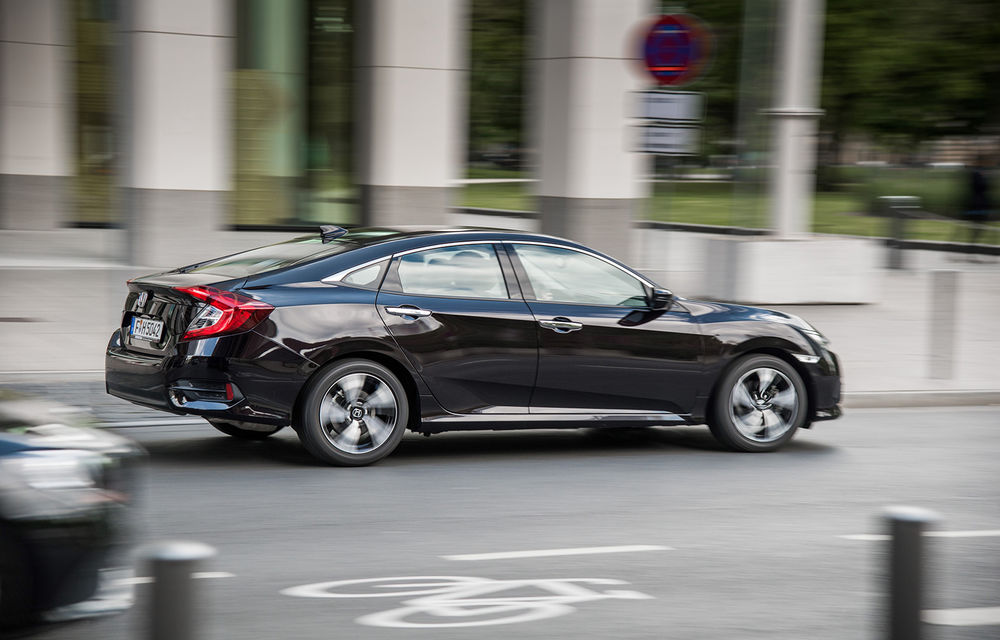 Cu dedicație pentru familie: noua generație Honda Civic Sedan a fost prezentată la Paris - Poza 2