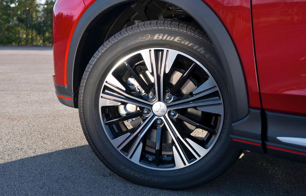 Mitsubishi Eclipse Cross: imagini și detalii oficiale cu noul rival al lui Nissan Qashqai - Poza 2