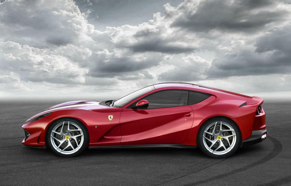 Cel mai puternic și rapid Ferrari din istorie este aici: Ferrari 812 Superfast are motor V12 de 800 de cai putere și ajunge la 100 km/h în 2.9 secunde - Poza 2