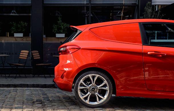 Ford a lansat noul Fiesta Van: modelul de clasă mică are două locuri și un volum de încărcare de 1.000 de litri - Poza 2