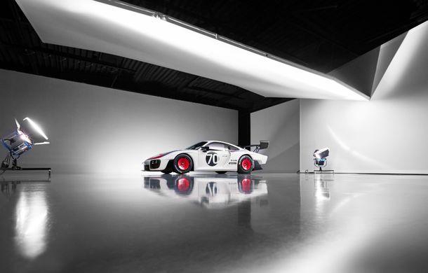 Noul Porsche 935: 700 de cai putere pentru modelul de curse disponibil în numai 77 de unități - Poza 2