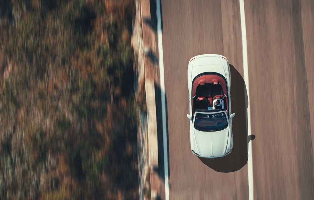 Bentley a prezentat noul Continental GT Cabrio: motor W12 de 635 CP și 19 secunde pentru plierea plafonului din material textil - Poza 2