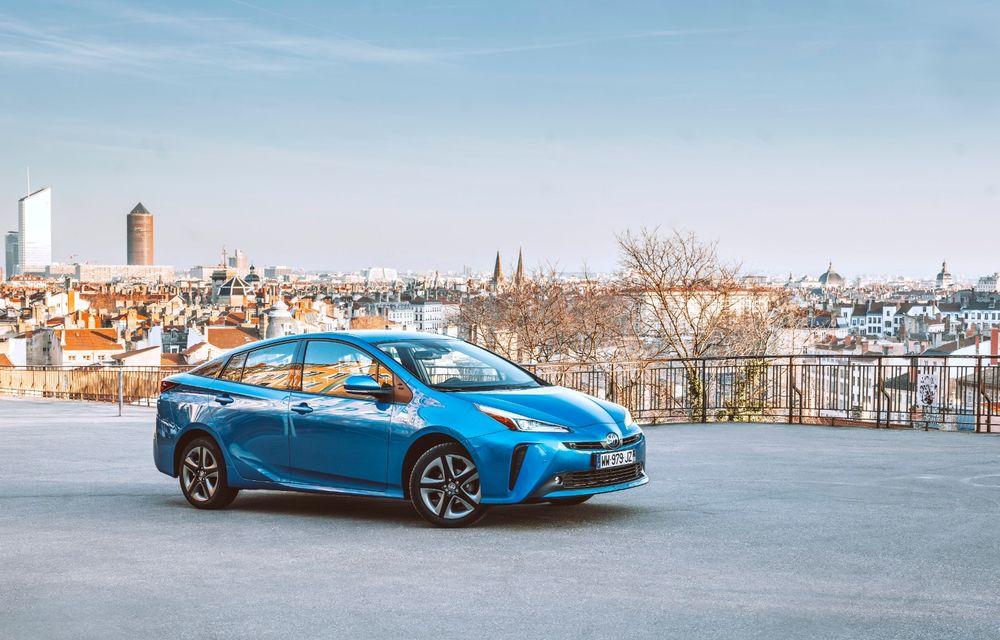 Toyota Prius facelift: hibridul primește tracțiune integrală și modificări estetice subtile - Poza 2