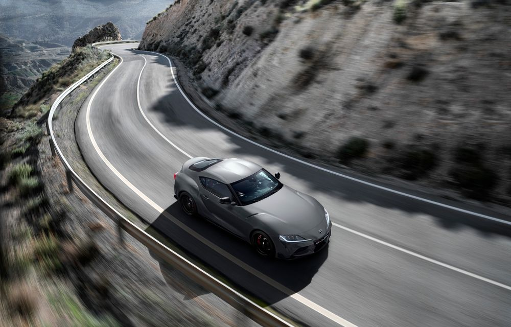 Noua generație Toyota Supra, imagini și detalii oficiale: versiunea de top are 340 CP și accelerează de la 0 la 100 km/h în 4.3 secunde - Poza 2