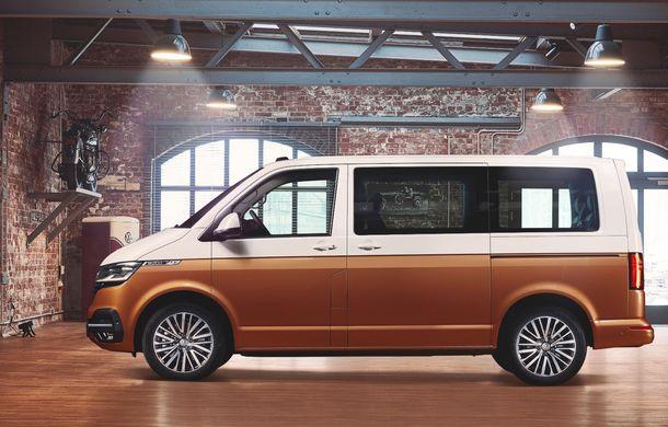 Volkswagen Multivan facelift: instrumentar digital de bord, numeroase sisteme de siguranță și versiune electrică dezvoltată cu ajutorul tunerului ABT - Poza 2