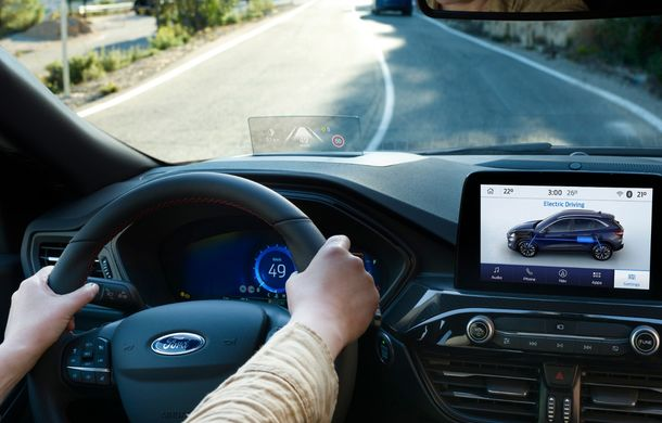Noua generație Ford Kuga este disponibilă și în România: SUV-ul producătorului american pornește de la 25.850 de euro - Poza 2