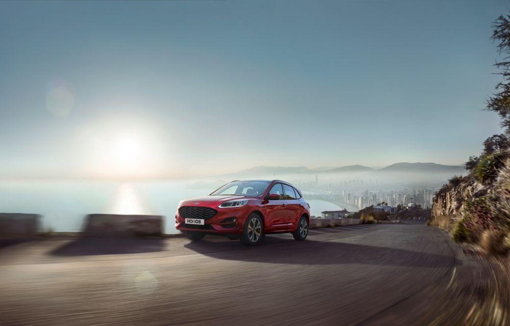Ford prezintă noua generație Kuga: design nou, interior modificat și o gamă completă de motorizări hibride - Poza 2