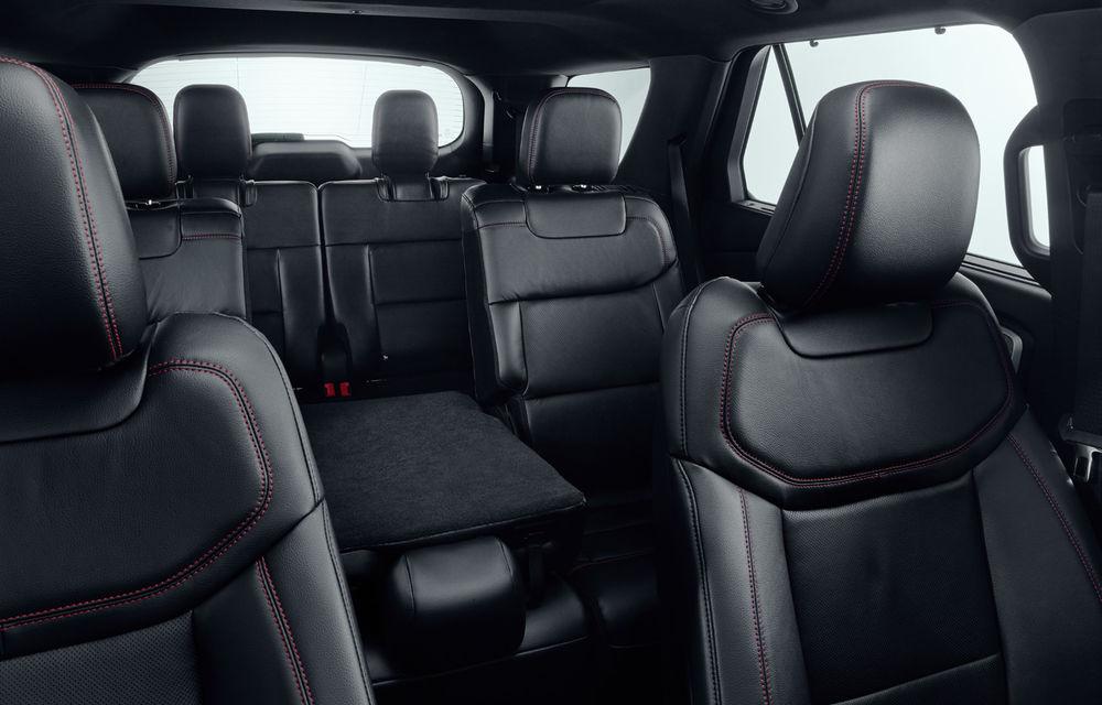 Ford Explorer vine în Europa: SUV-ul cu 7 locuri va fi disponibil doar în variantă plug-in hybrid de 450 de cai putere cu autonomie electrică de 40 de kilometri - Poza 2