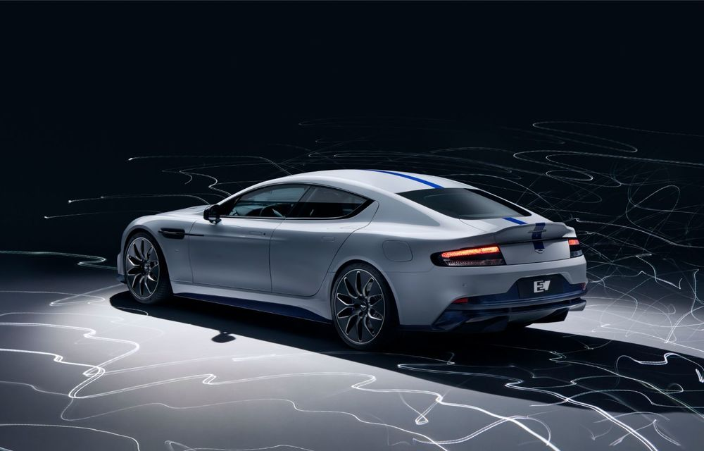 Primul Aston Martin electric este aici: Rapide E are două motoare electrice, 610 cai și 950 Nm: autonomie de 320 de kilometri și producție limitată la 155 de exemplare - Poza 2