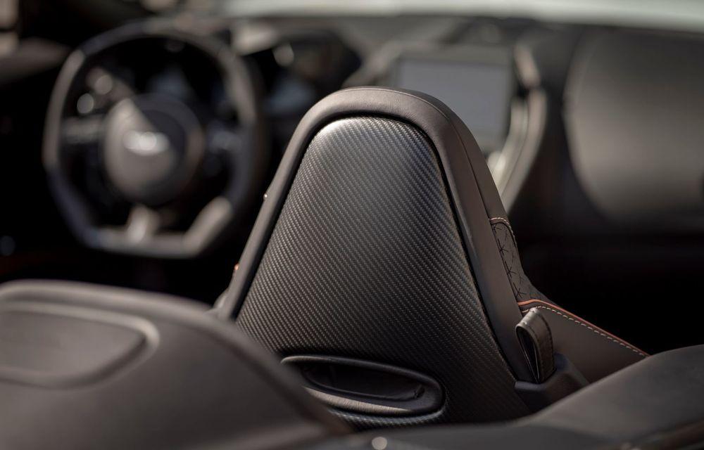 Aston Martin prezintă DBS Superleggera Volante: cel mai puternic și rapid cabrio din istoria britanicilor are un motor V12 de 725 CP și face 0-100 km/h în 3.6 secunde - Poza 2