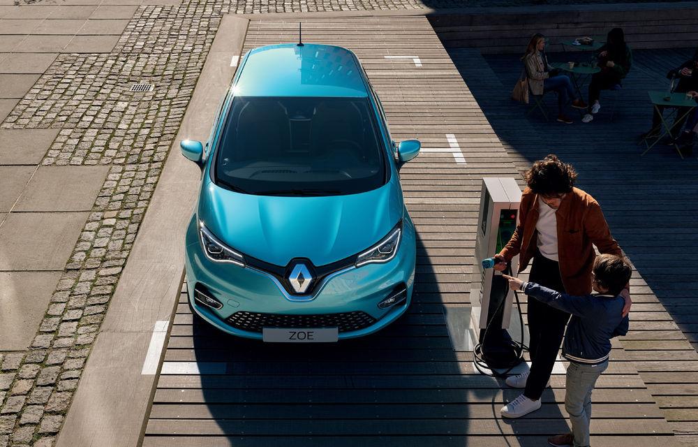 Noua generație Renault Zoe este aici: hatchback-ul electric a primit un motor de 136 CP, autonomie de 390 kilometri și numeroase îmbunătățiri la interior - Poza 2