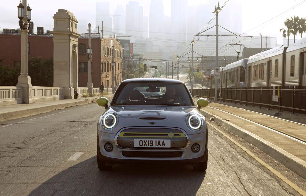 BMW oferă detalii despre interesul românilor pentru primul Mini electric: germanii au primit deja 20% din comenzile propuse pentru 2020 - Poza 2