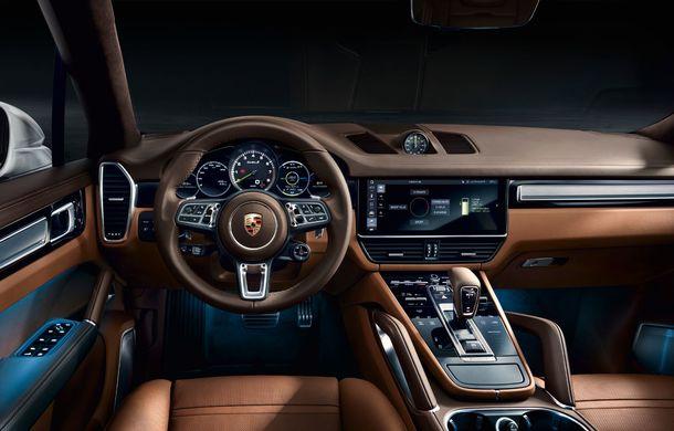 Porsche lansează cel mai puternic Cayenne din istorie: Cayenne Turbo S E-Hybrid dezvoltă 680 de cai putere și 900 Nm: 0-100 km/h în 3.6 secunde - Poza 2