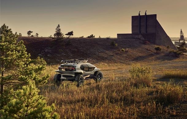 Conceptul Audi AI Trail quattro a fost expus la Frankfurt: prototipul electric cu autonomie de până la 500 de kilometri anticipează designul viitoarelor SUV-uri Audi - Poza 2