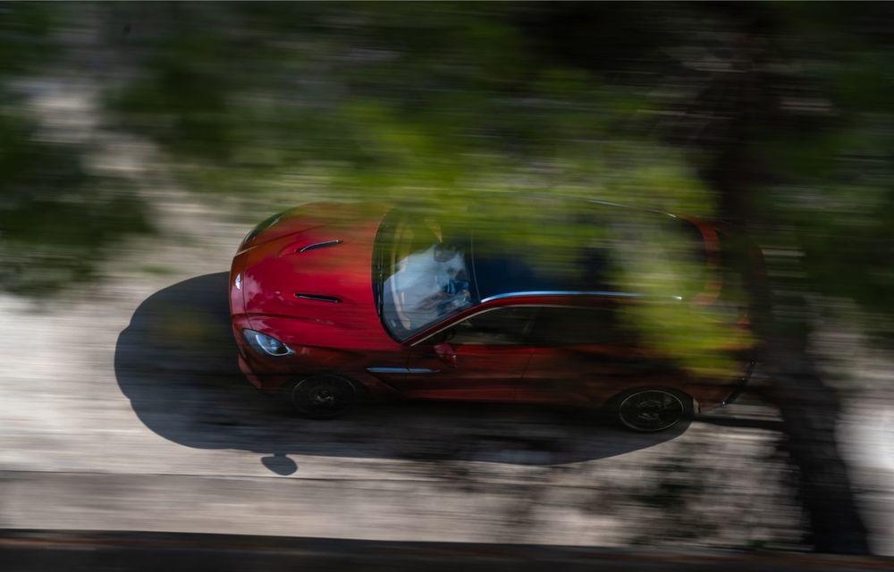 Aston Martin DBX poate fi comandat și în România: primul SUV al constructorului britanic pleacă de la aproape 196.500 de euro - Poza 2