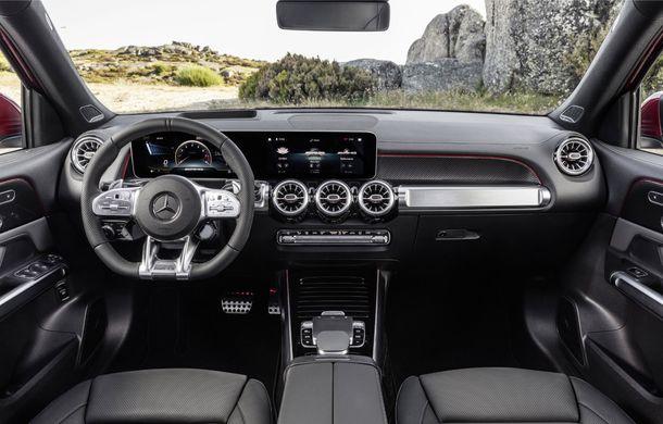 Mercedes-AMG GLB 35 poate fi comandat în România: SUV-ul compact cu șapte locuri are un preț de pornire de 57.000 de euro - Poza 2