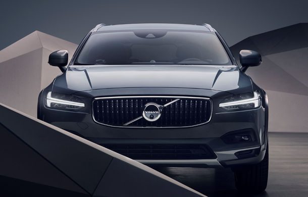 Primele imagini cu Volvo S90 și V90 facelift: modelele primesc în premieră versiuni mild-hybrid - Poza 2