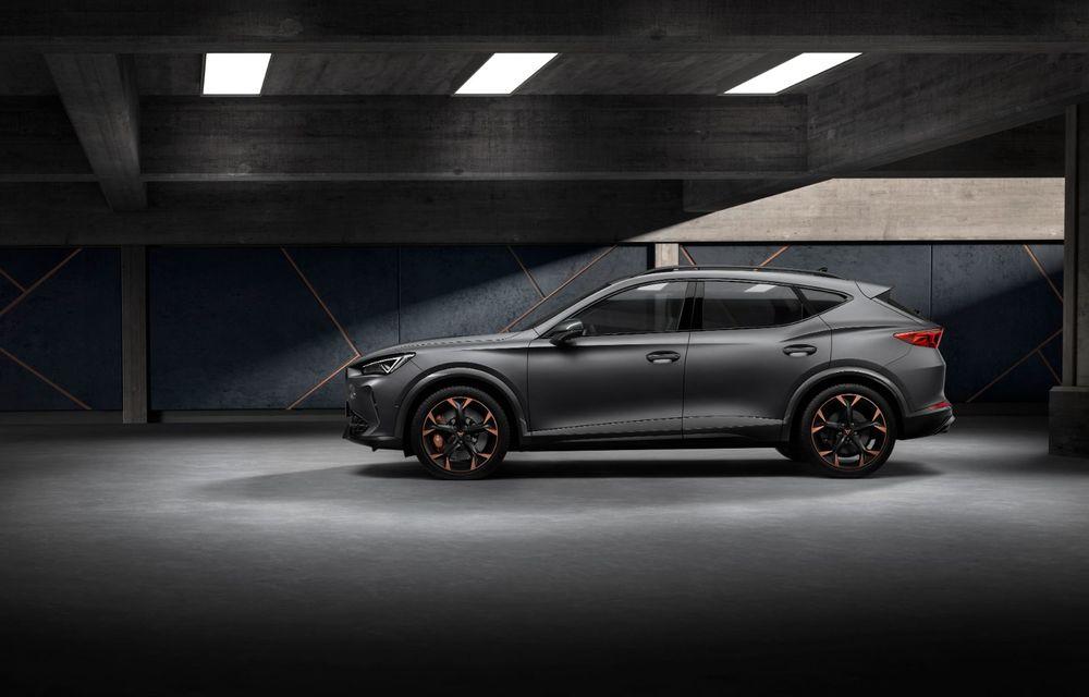 Cupra a prezentat SUV-ul de performanță Formentor: ibericii oferă o versiune plug-in hybrid cu 245 CP și o variantă pe benzină cu 310 CP - Poza 2