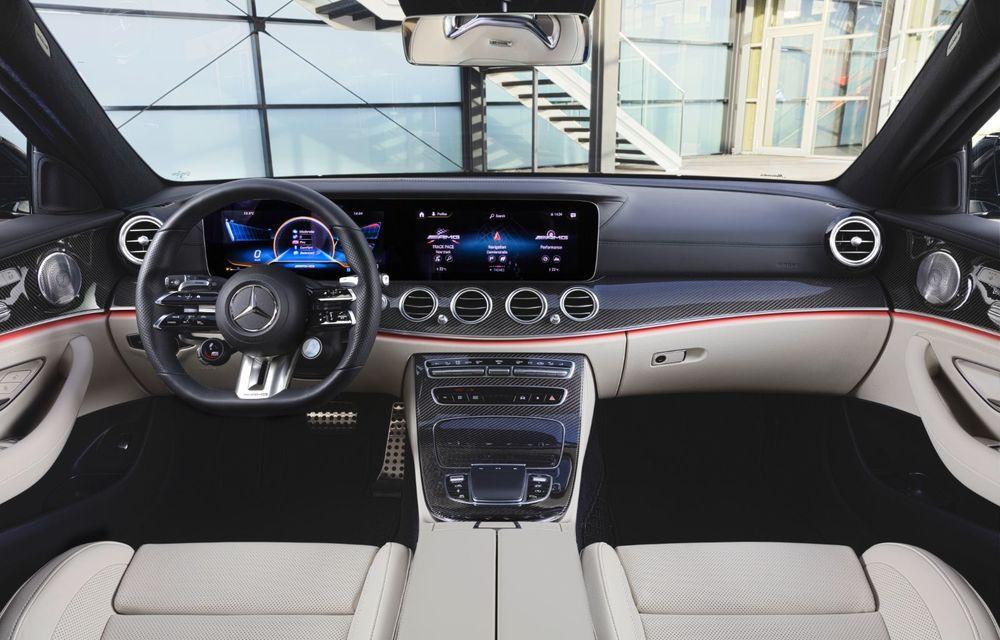 Acesta este Mercedes-Benz Clasa E facelift: modificări minore la exterior, interior cu ecrane de 12.3 inch și motorizări mild-hybrid și plug-in hybrid - Poza 2