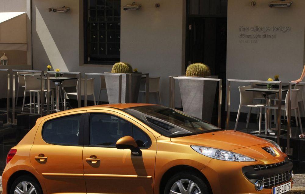 Peugeot 207 5 usi (2006)
