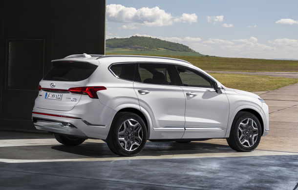 Primele imagini cu Hyundai Santa Fe facelift: design îmbunătățit, platformă nouă și versiune plug-in hybrid - Poza 2