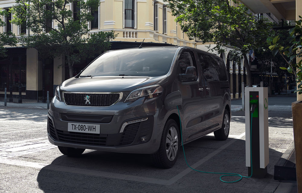 Peugeot prezintă versiunea electrică a utilitarei de persoane Traveller: 136 de cai putere și autonomie de până la 330 de kilometri - Poza 2