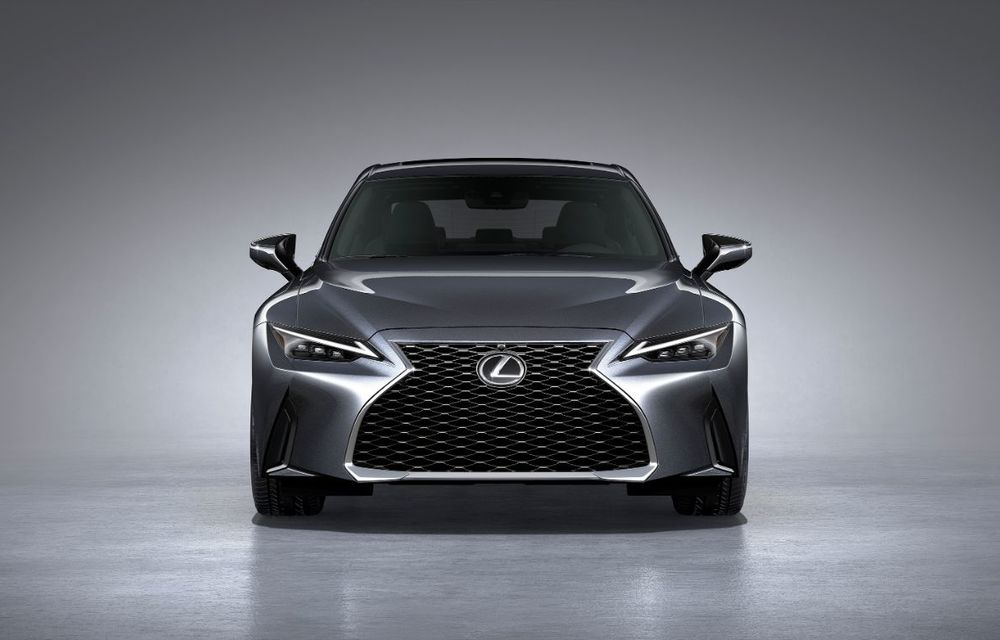 Lexus a prezentat noul IS: sedanul premium primește modificări de design și suspensii îmbunătățite, dar nu va mai fi disponibil și în Europa - Poza 2