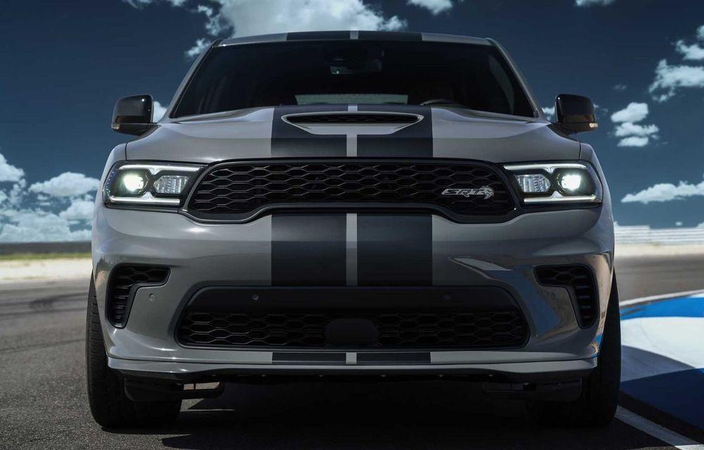 Dodge a lansat cel mai puternic SUV de serie din lume: Durango SRT Hellcat are 720 CP și viteză de top de 290 km/h - Poza 2