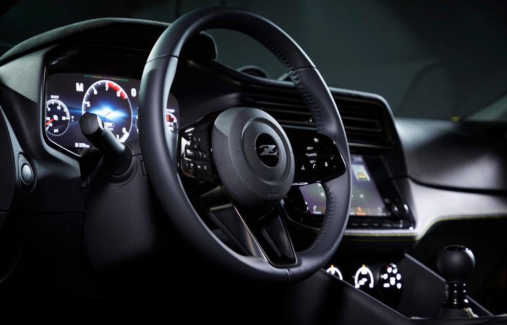 Primele imagini cu Nissan Z Proto: prototipul succesorului lui 370Z se inspiră din trecut, are motor V6 twin-turbo și instrumentar digital de bord de 12.3 inch - Poza 6