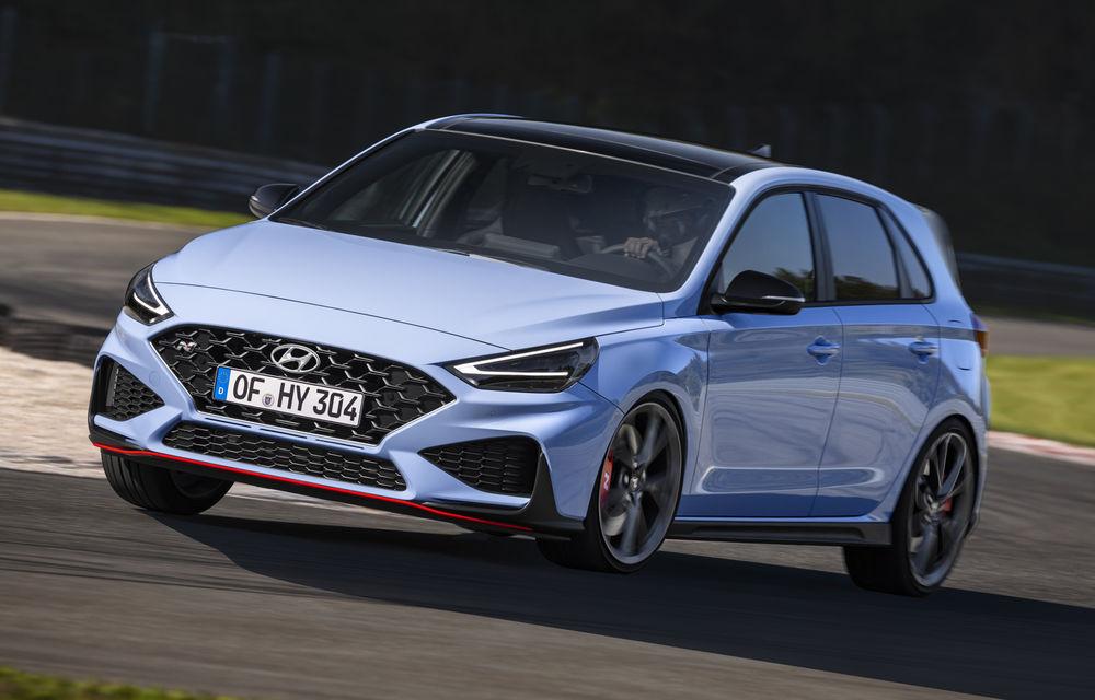 Hyundai a prezentat i30 N facelift: versiunea de performanță are până la 280 de cai putere și primește în premieră transmisie automată - Poza 4
