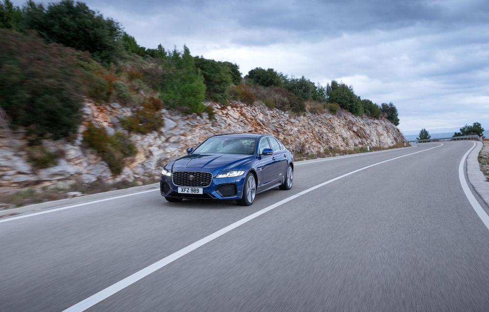 Jaguar XF primește un facelift: sistem de infotainment de 11.4 inch, motor pe benzină de până la 300 CP și diesel mild-hybrid de 204 CP - Poza 5