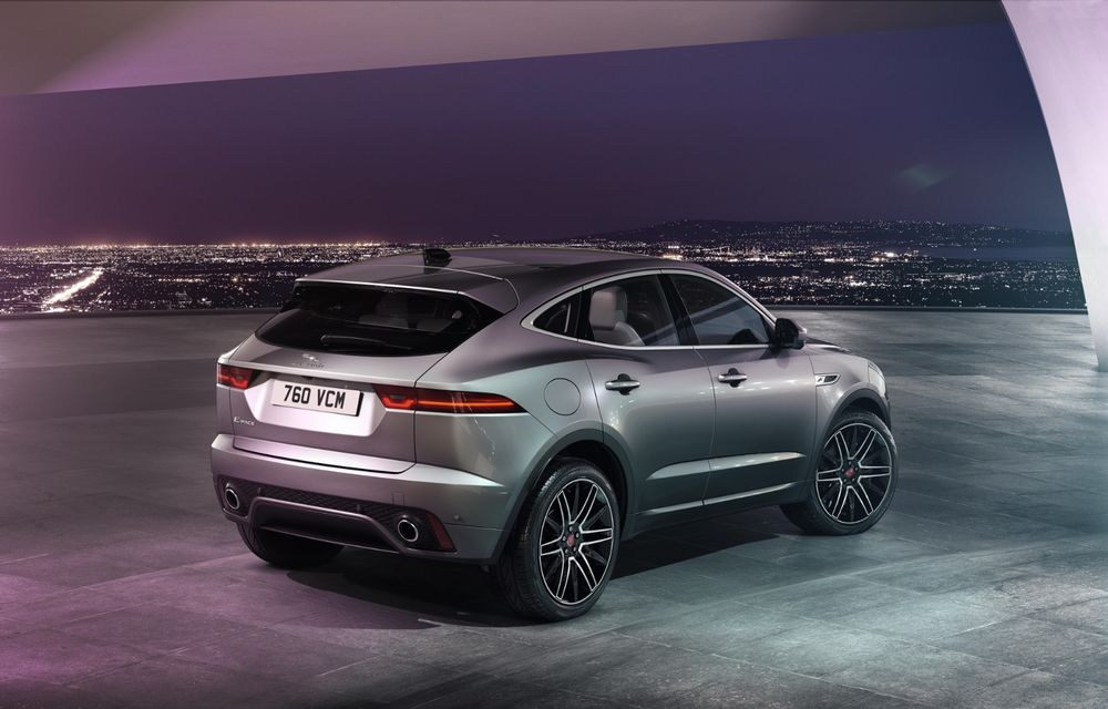 Jaguar a prezentat E-Pace facelift: mici modificări la nivel estetic, un nou ecran central curbat cu diagonala de 11.4 inch și variantă plug-in hybrid - Poza 4